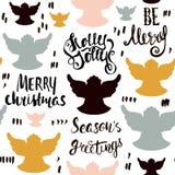 Modelo dibujado mano inconsútil del día de fiesta con ángeles de la Navidad y letras escritas mano Ilustración del vector Fotos de archivo libres de regalías