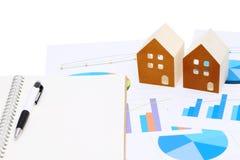 Modelo diminuto da casa no original da carta Imagens de Stock Royalty Free