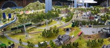 Modelo diminuto de rotas e de paisagem do transporte imagens de stock