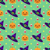 Modelo divertido de Halloween con las brujas sombrero, calabazas y poción mágica Imagen de archivo