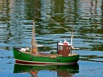 Modelo do barco de pesca imagem de stock