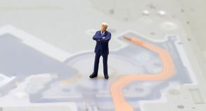Modelo do homem de negócios e fundo da tecnologia Indústria da computação ou do Internet Imagens de Stock