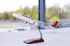 Modelo dos aviões de TC-JSE Turkish Airlines Airbus A321-200 Fotos de Stock Royalty Free