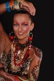 Modelo elegante con arte brillante del maquillaje y de carrocería. Fotos de archivo