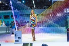 Modelo em um suporte da exposição no Photokina 2014 Imagem de Stock