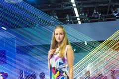 Modelo em um suporte da exposição no Photokina 2014 Fotografia de Stock