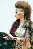 Modelo en el campeonato para el maquillaje creativo Fotografía de archivo