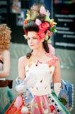 Modelo en el campeonato para el maquillaje creativo Fotos de archivo libres de regalías