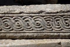 Modelo en la piedra Imagenes de archivo