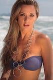 Modelo en la playa Foto de archivo