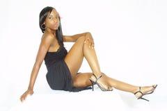 Modelo en un vestido negro Imagen de archivo