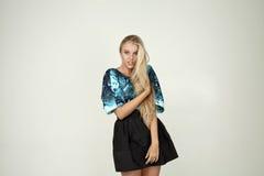 Modelo en una blusa de moda Imágenes de archivo libres de regalías