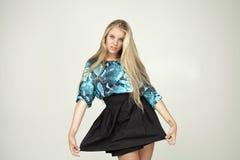 Modelo en una blusa de moda Fotografía de archivo libre de regalías