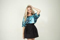Modelo en una blusa de moda Foto de archivo