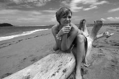 Modelo en una playa Fotografía de archivo libre de regalías