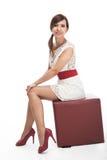 Modelo escultural bonito em uma mini-saia Fotografia de Stock Royalty Free