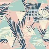 Modelo exótico inconsútil con las hojas de palma en fondo geométrico