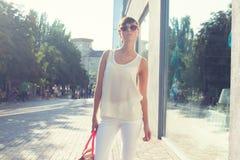 Modelo fêmea novo na moda Foto de Stock