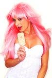 Modelo femenino en maquillaje del extremo de la peluca Fotografía de archivo libre de regalías