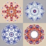 Modelo floral redondo ornamental Conjunto del ornamento colorido cuatro Imagenes de archivo