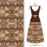 Modelo geométrico inconsútil de la moda, el vestido de las mujeres Foto de archivo libre de regalías
