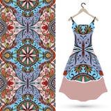 Modelo geométrico inconsútil de la moda, el vestido de las mujeres Fotografía de archivo