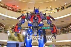 Modelo gigante da prima de Optimus dos transformadores foto de stock