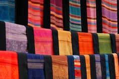 Modelo hecho a mano de la materia textil de Laos foto de archivo