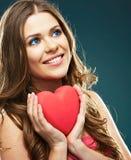 Modelo hermoso ciérrese encima del retrato de la cara de la mujer sonriente Fotografía de archivo libre de regalías
