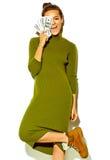 Modelo hermoso elegante en ropa elegante del verano en estudio Foto de archivo libre de regalías