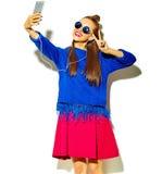 Modelo hermoso en ropa elegante del verano en estudio Imagenes de archivo