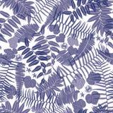 Modelo inconsútil azul y blanco del vector con los helechos transparentes, las hojas y la flor salvaje Conveniente para la materi ilustración del vector