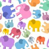 Modelo inconsútil coloreado del elefante Fondo lindo de los animales Imágenes de archivo libres de regalías