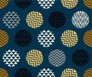 Modelo inconsútil con el círculo del color de las líneas, del oro, azul y negro del zigzag en fondo azul marino imagen de archivo
