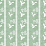 Modelo inconsútil con el fondo verde de las flores blancas Foto de archivo libre de regalías