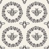 Modelo inconsútil con la abeja Fotografía de archivo