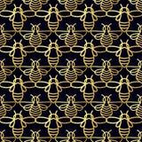 Modelo inconsútil con la abeja del oro Imagen de archivo