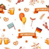 Modelo inconsútil con la celebración más oktoberfest Imágenes de archivo libres de regalías
