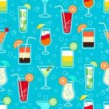 Modelo inconsútil con las bebidas del cóctel del alcohol Foto de archivo libre de regalías