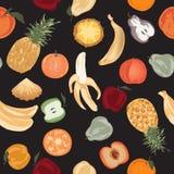 Modelo inconsútil con las frutas pintadas a mano en fondo negro Foto de archivo libre de regalías