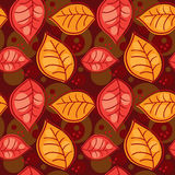 Modelo inconsútil con las hojas del otoño Imagen de archivo libre de regalías