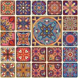 Modelo inconsútil con las mandalas decorativas Elementos de la mandala del vintage Remiendo colorido Fotografía de archivo libre de regalías