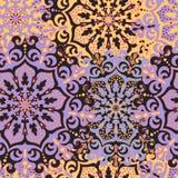 Modelo inconsútil con las mandalas simétricas Textura étnica adentro Fotografía de archivo libre de regalías
