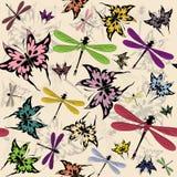 Modelo inconsútil con las mariposas y las libélulas Fotografía de archivo libre de regalías