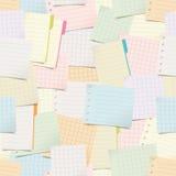 Modelo inconsútil con las notas de papel Fotos de archivo libres de regalías