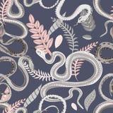 Modelo inconsútil con las serpientes y las plantas Papel pintado colorido en un tema tropical en fondo gris stock de ilustración