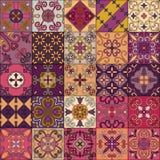 Modelo inconsútil con las tejas portuguesas en el estilo de Talavera Azulejo, marroquí, ornamentos mexicanos Imagen de archivo libre de regalías