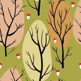 Modelo inconsútil con los árboles marrones y las setas rojas en fondo verde Foto de archivo