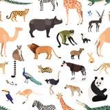 Modelo inconsútil con los animales y los pájaros exóticos en el fondo blanco Contexto con fauna salvaje de la selva tropical afri libre illustration