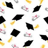 Modelo inconsútil con los casquillos de la graduación y las volutas de diplomas Fotografía de archivo